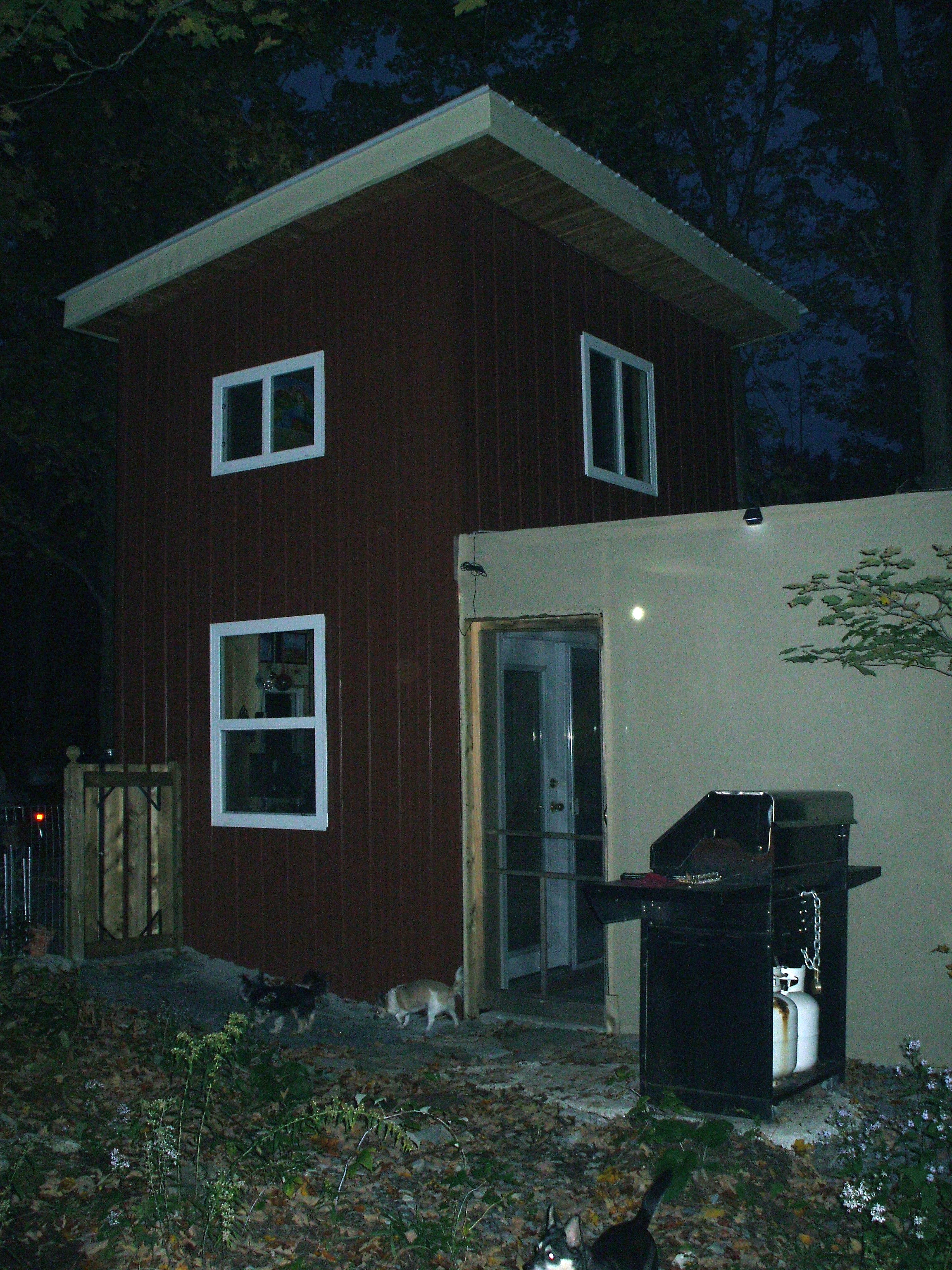 Building code tiny house ontario for Tiny house builders ontario