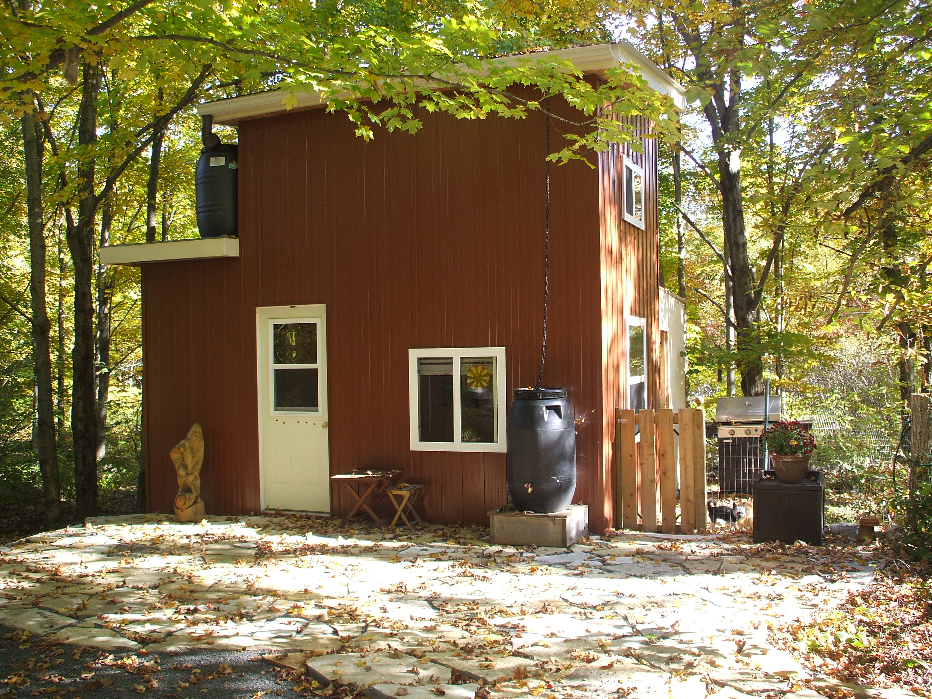 Tiny house ontario september 2013 for Tiny house builders ontario