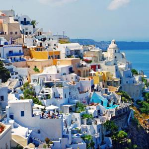Fira-town,-Santorini,-Greece